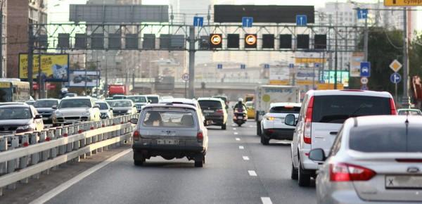 В Москве введен запрет на пассажиров в личных авто